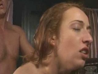 Lekkere meid krijgt billenkoek van haar viendje